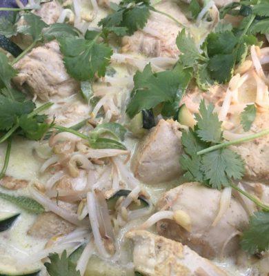 Kip met groene currykokos